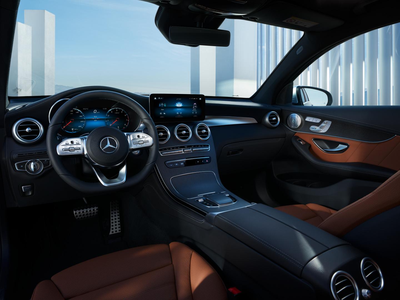 Intérieur et l'extérieur de la Mercedes GLC Coupé