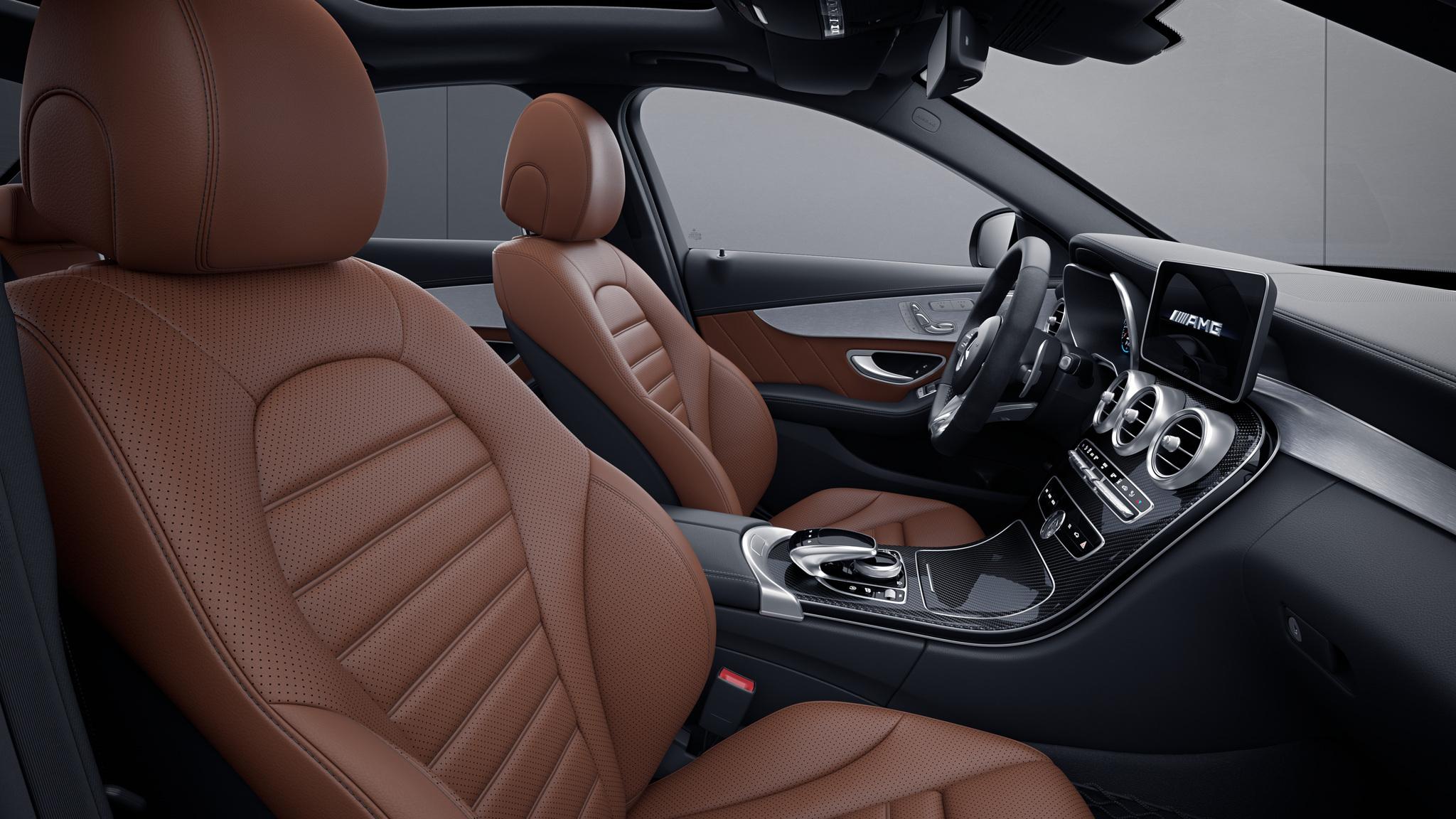 Habitacle de la Mercedes Classe C Berline avec une Sellerie Cuir - marron cuir  noir