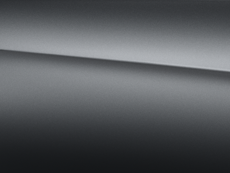 Vue de trois quarts de profil de la Mercedes GLC avec la peinture designo - gris sélénite magno