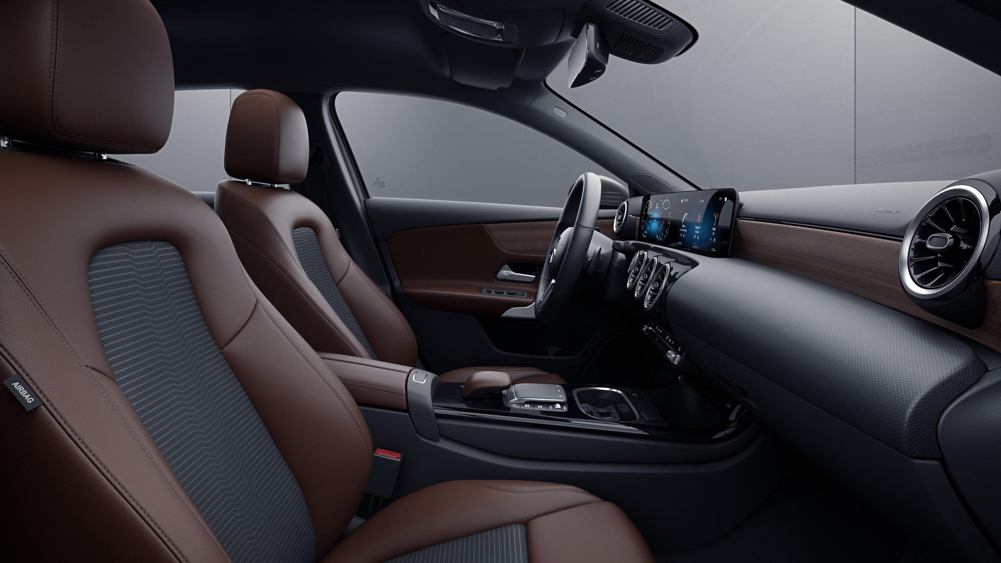 Habitacle de la Mercedes Classe A Berline avec une Sellerie Similicuir Artico tissu Fléron bicolore - noir marron bahia