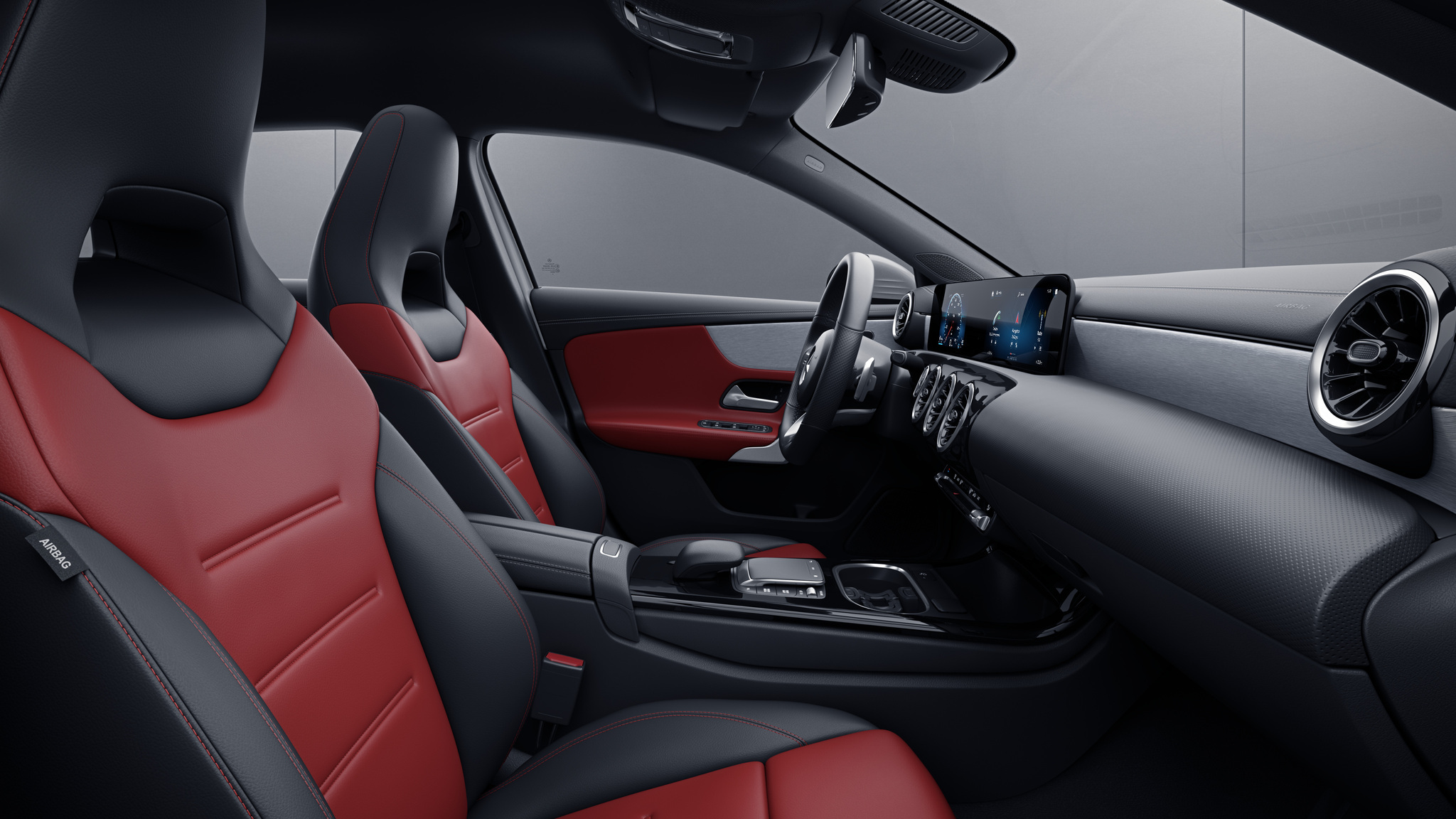 Habitacle de la Mercedes Classe A Berline avec une Sellerie cuir bicolore - rouge classique noir
