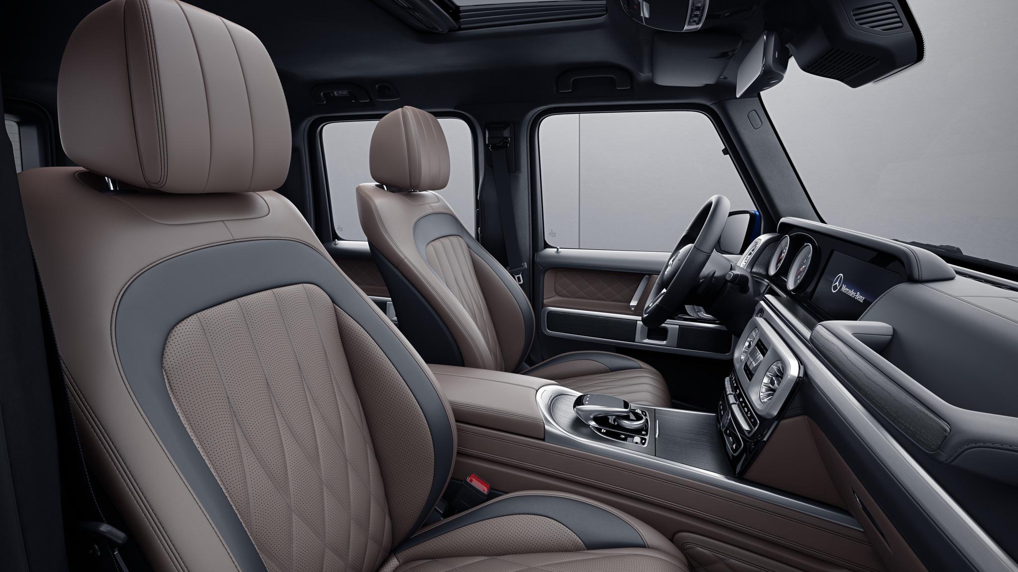 Habitacle de la Mercedes Classe G avec une Sellerie cuir nappa bicolore - marron tartuffe noir
