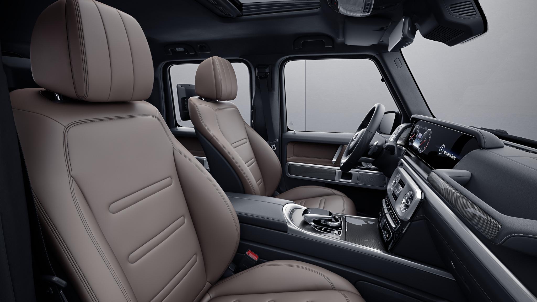Habitacle de la Mercedes Classe G avec une Sellerie cuir nappa bicolore - maron tartuffe noir