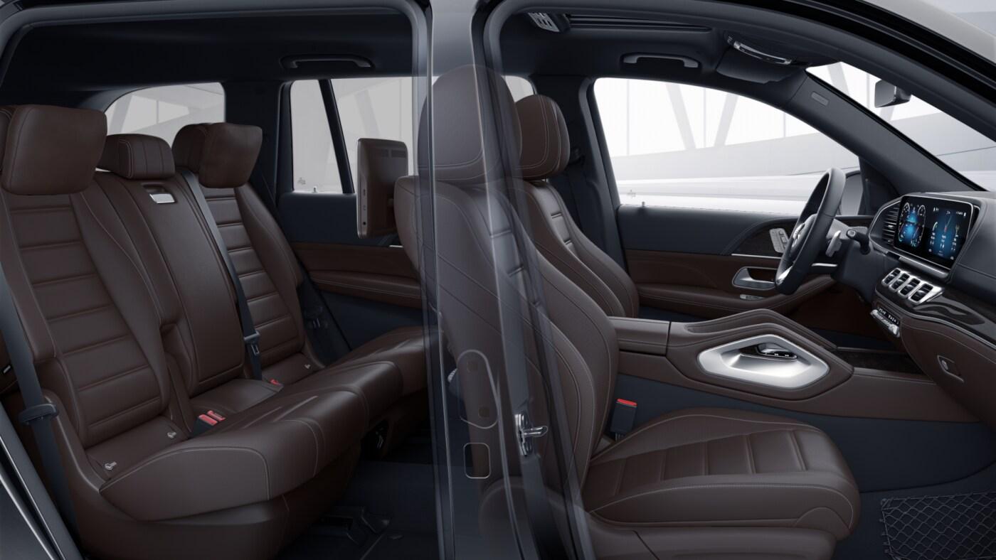 Habitacle avant et arrière de la Mercedes GLS, Finition AMG Line Plus avec une couleur marron foncée