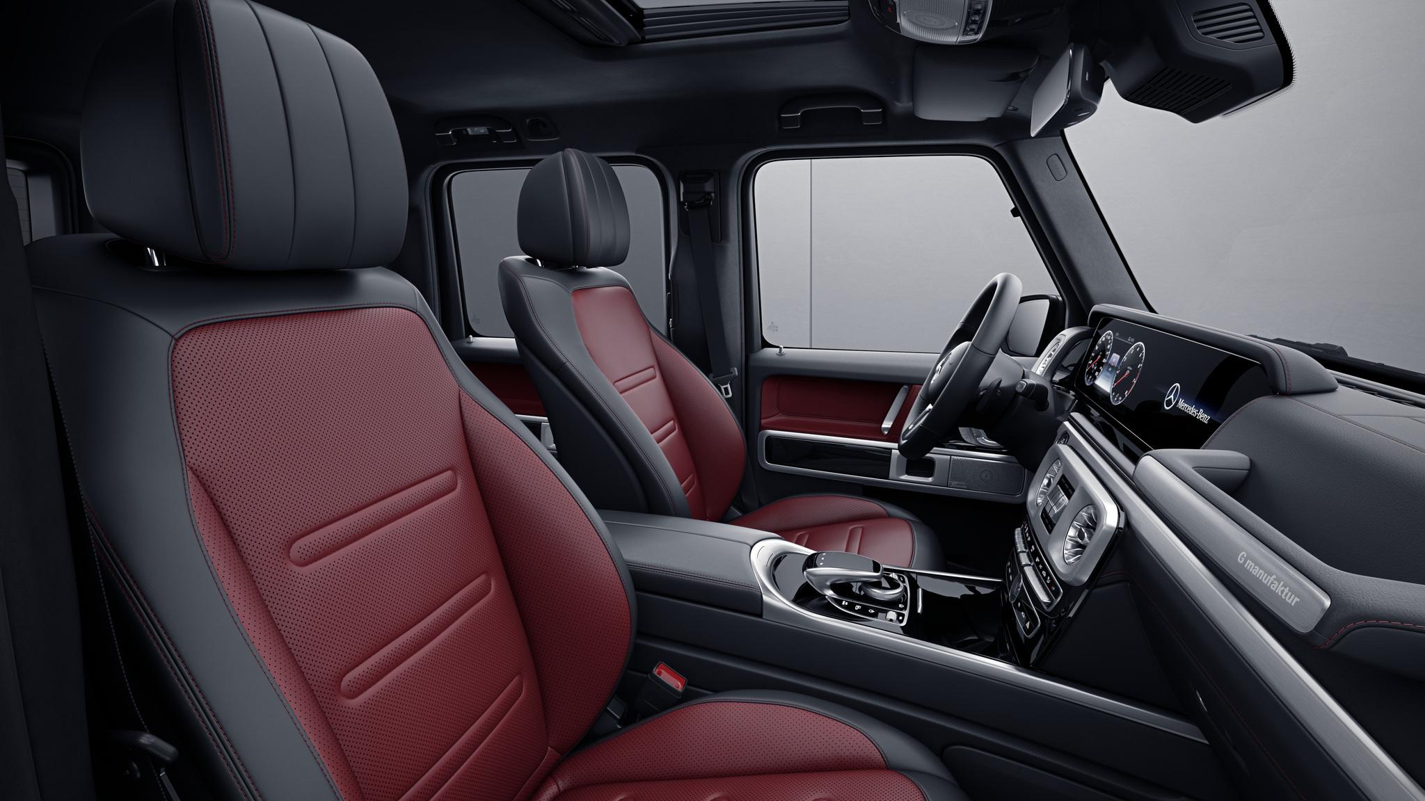 Habitacle de la Mercedes Classe G, Cuir Nappa bicolore G manufaktur - Rouge Bengale noir
