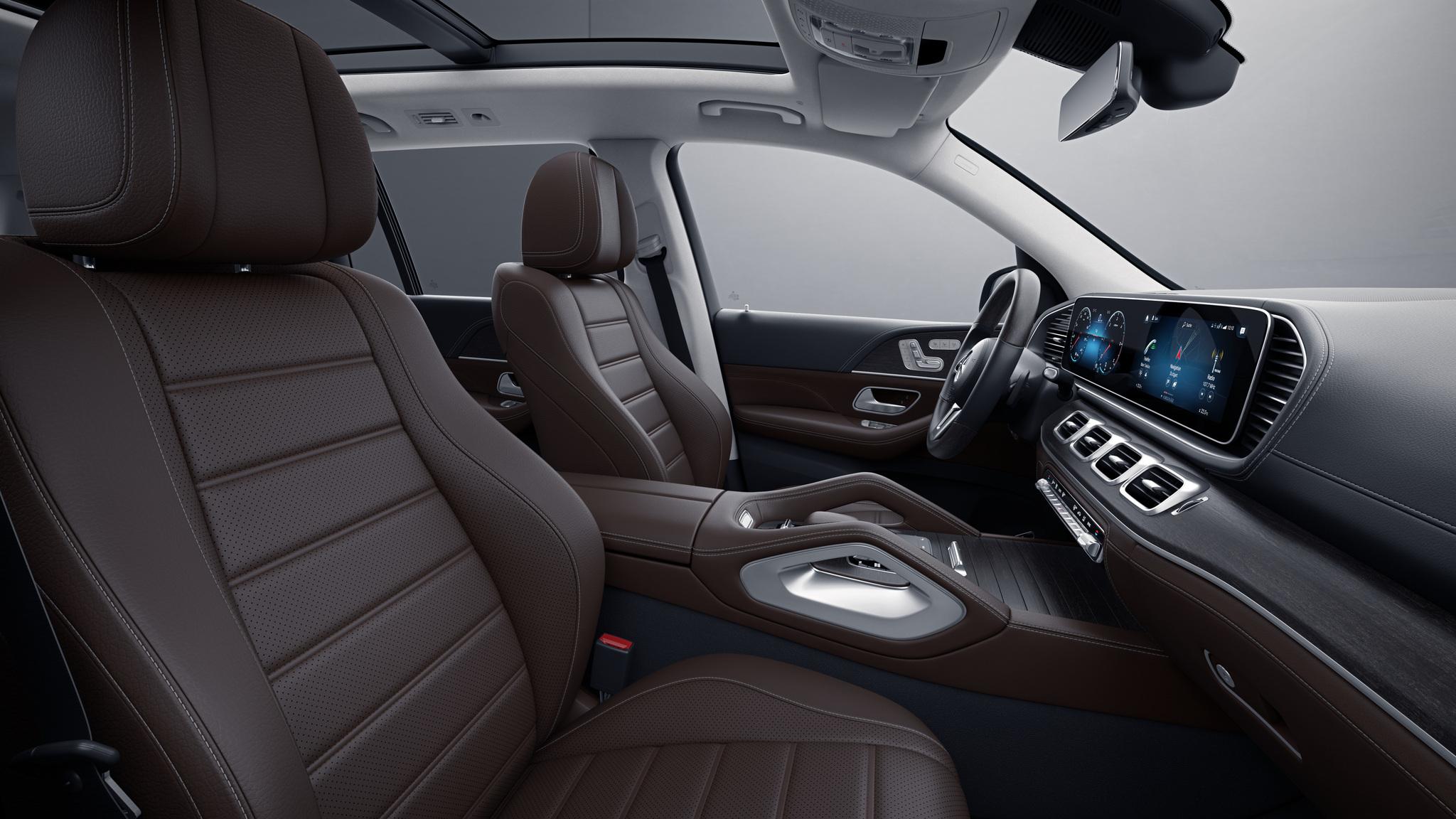 Habitacle de la Mercedes GLS avec une Sellerie cuir Rough cuir - marron expresso noir