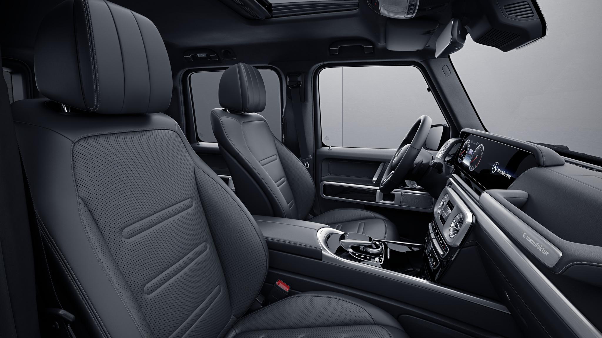 Habitacle de la Mercedes Classe G, Cuir Nappa bicolore G manufaktur - Gris titane pearl noir