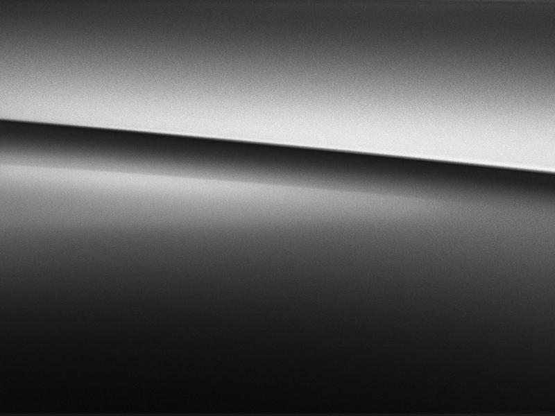Vue de trois quarts de profil de la Mercedes Classe G avec la peinture noir magnétite