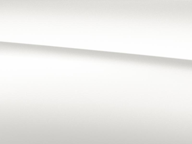 Vue de trois quarts de profil de la Mercedes-Benz classe G avec la peinture bright - blanc diamant  bright métallisé G manufaktur