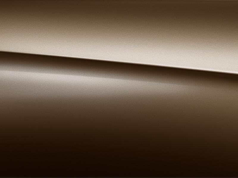 Vue de trois quarts de profil de la Mercedes-Benz classe G avec la peinture me?tallise?e  - marron citrine métallisé G manufaktur
