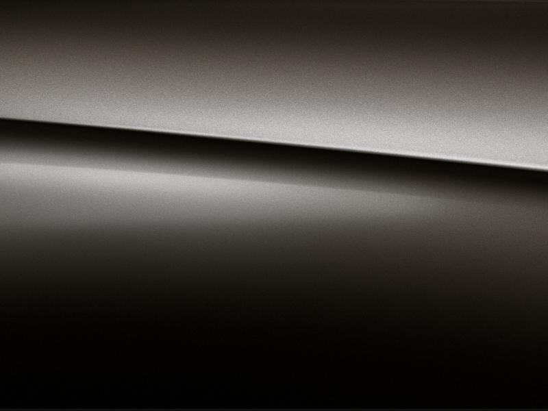 Vue de trois quarts de profil de la Mercedes-Benz classe G avec la peinture métallisé - noir moka métallisé G manufaktur