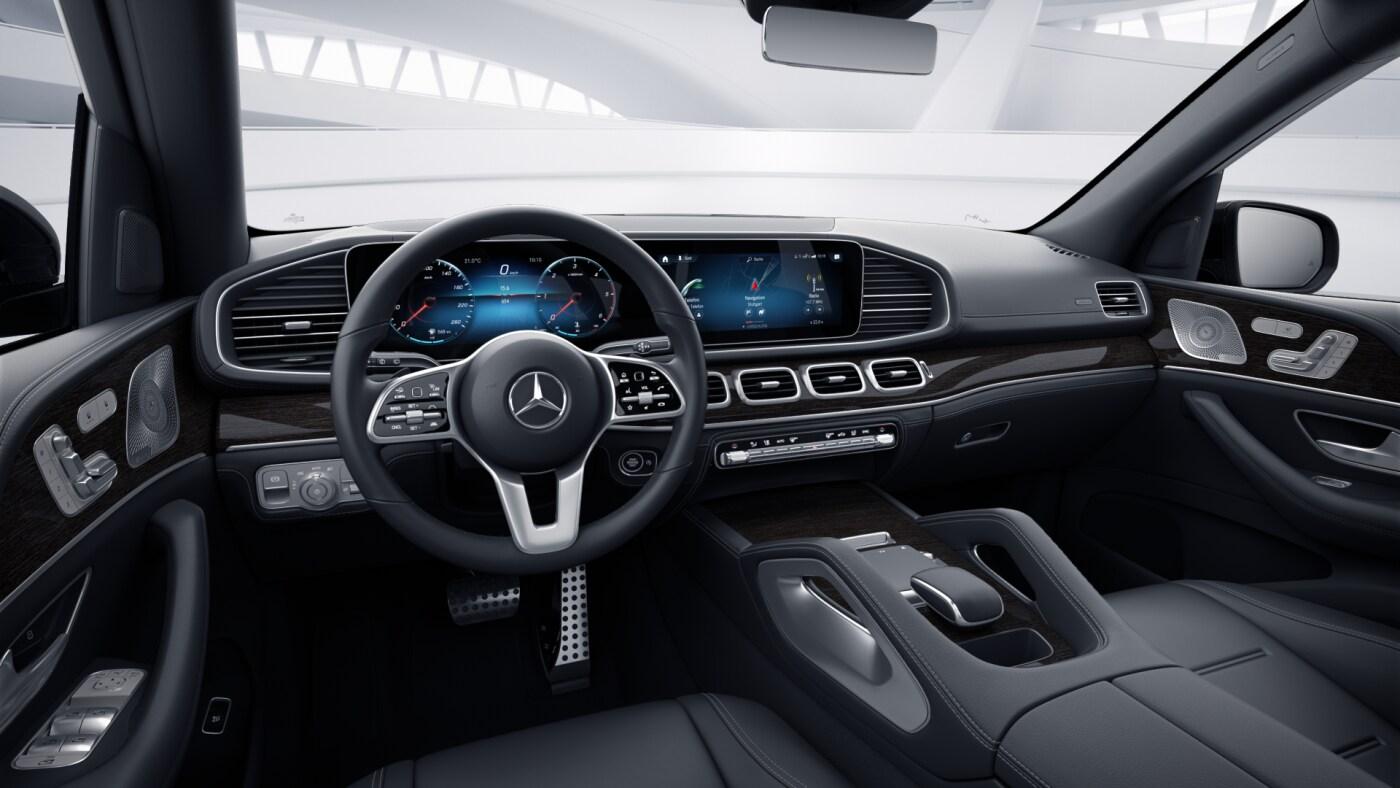 Poste de conduite de la Mercedes GLE AMG Line Plus avec vue sur l'écran tactile, sellerie et console centrale