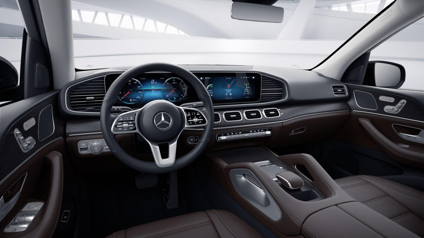 Poste de conduite de la Mercedes GLE Luxury avec vue sur l'écran tactile, sellerie et console centrale