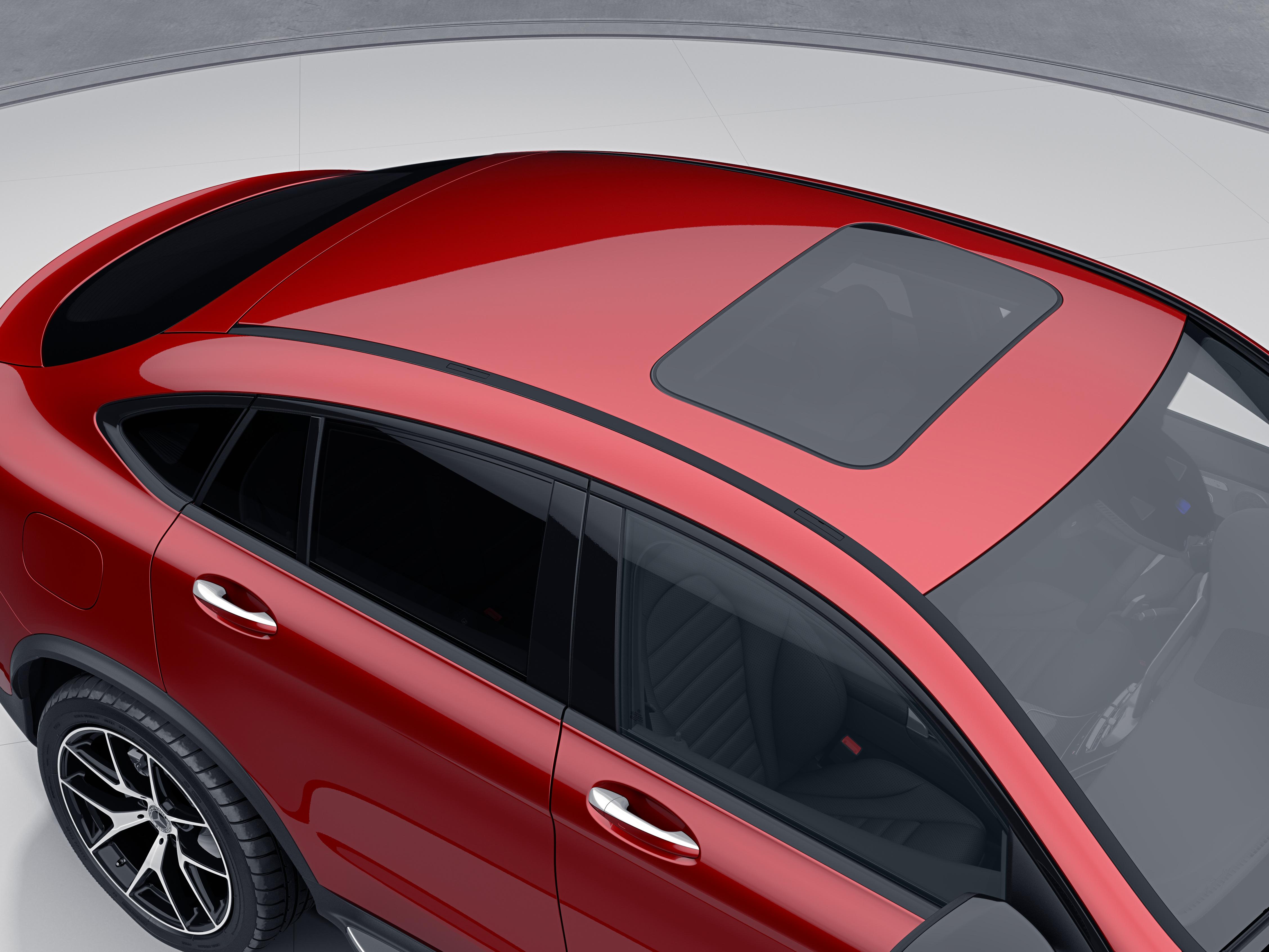 Toit électrique ouvrant en verre de la Mercedes GLC Coupé - Finition AMG Line