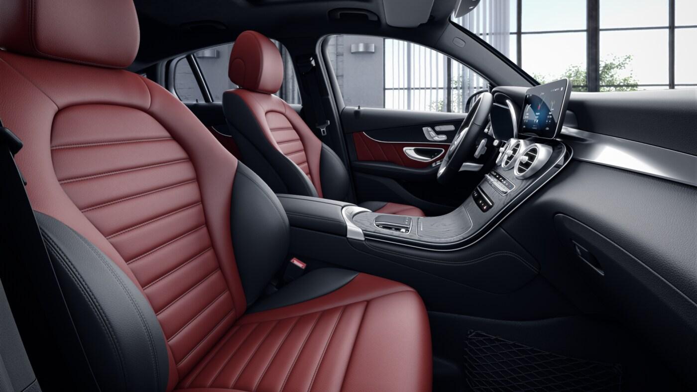 Habitacle noir et rouge de la Mercedes GLC Coupé - Finition AMG Line Plus