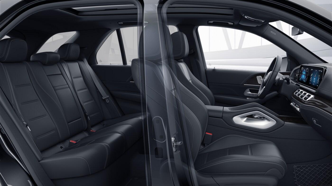 Habitacle avant et arrière de la Mercedes GLE Finition AMG Line Plus