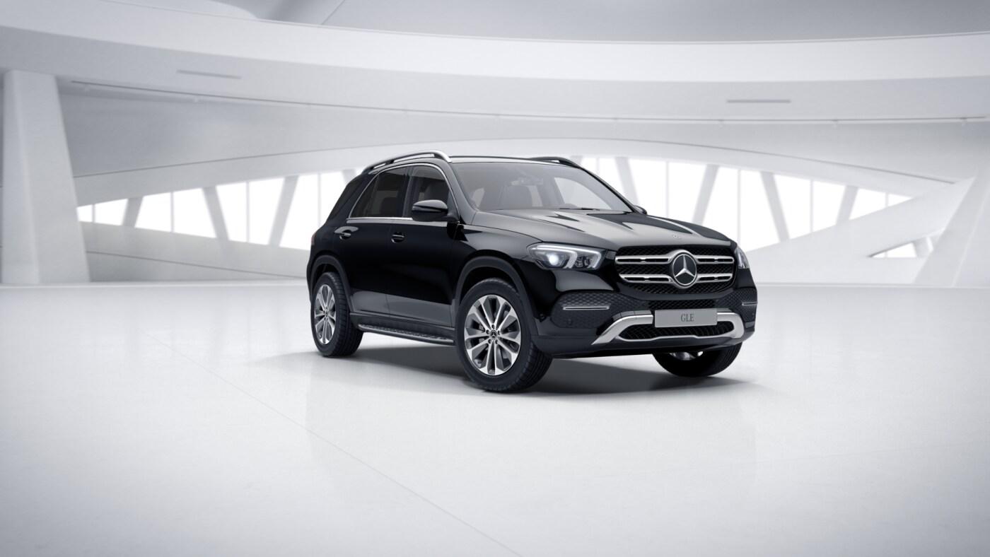 Mercedes-Benz GLE Finition Luxury, Vue de trois quarts de profil à l'arrêt