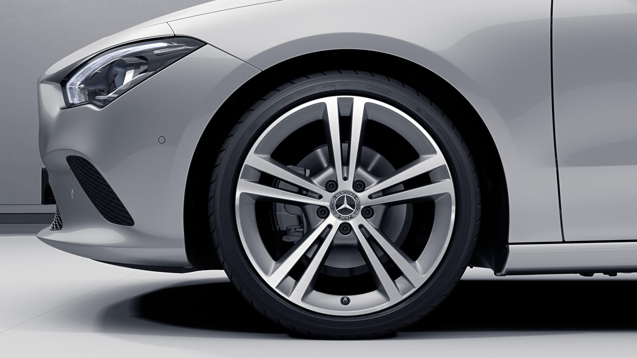 """Jantes AMG 19"""" à 5 doubles branches de la Mercedes-Benz CLA"""