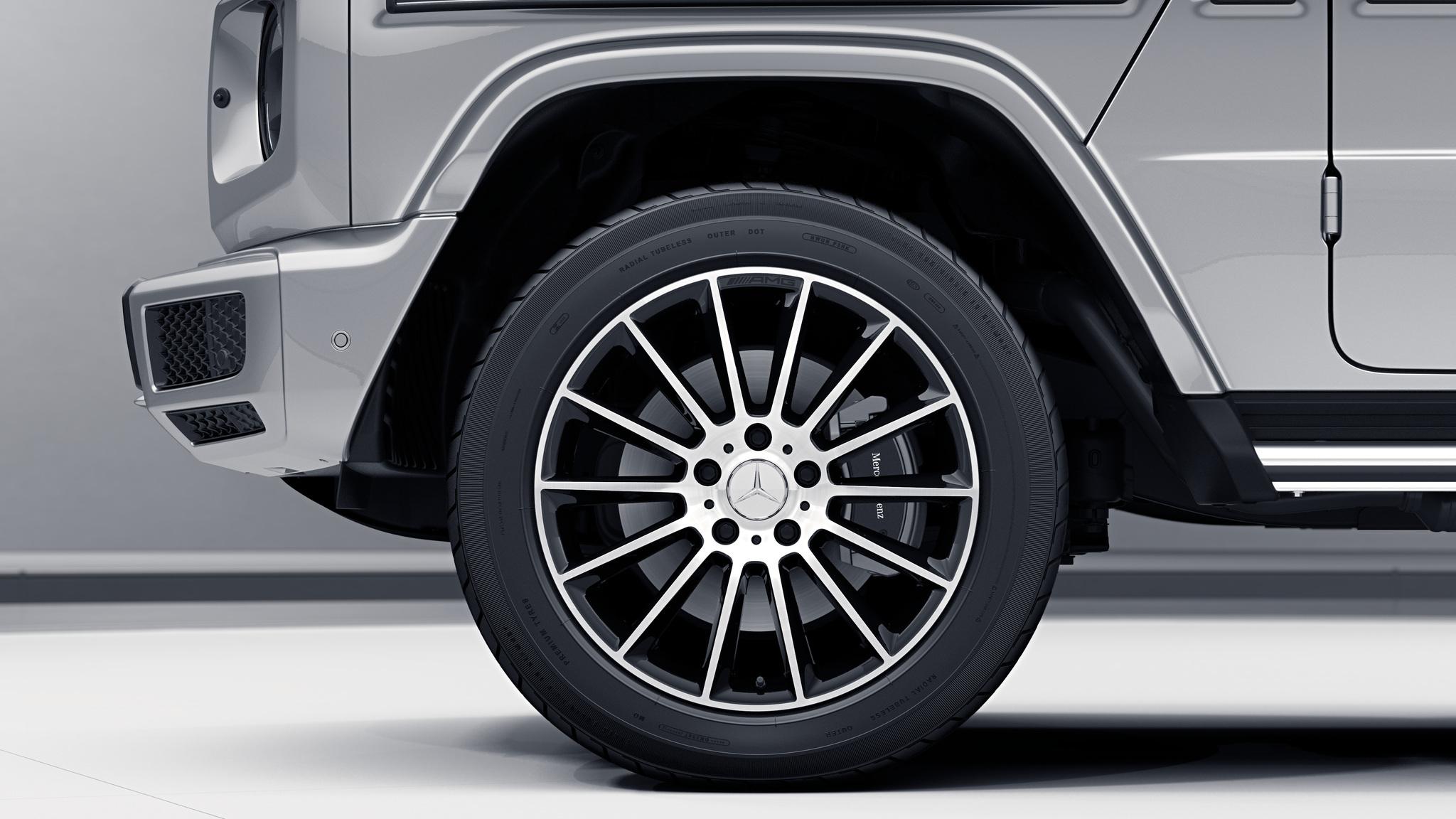 Jantes AMG 20 multibranches de la Mercedes-Benz Classe G