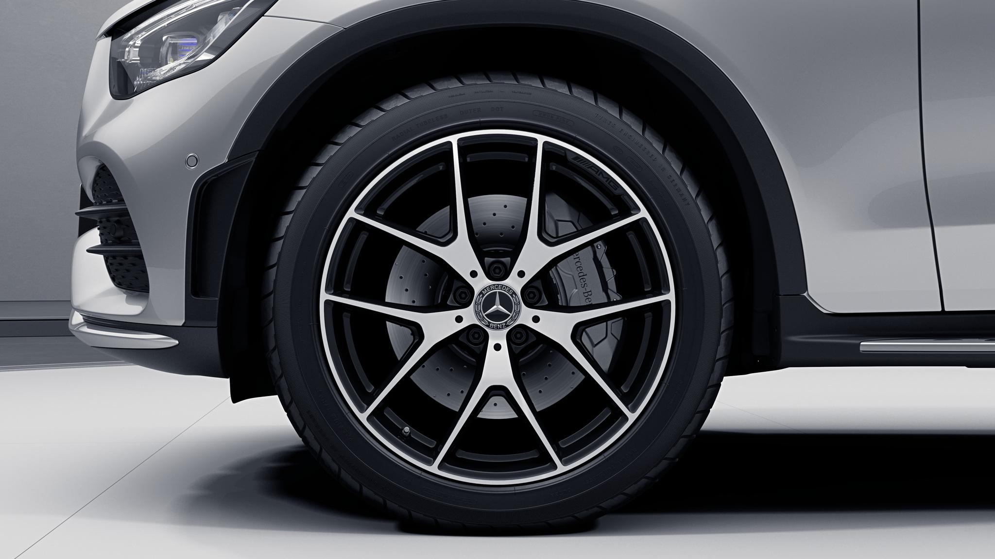 """Jantes AMG 20"""" à 5 doubles branches noires de la Mercedes-Benz GLC Coupé"""