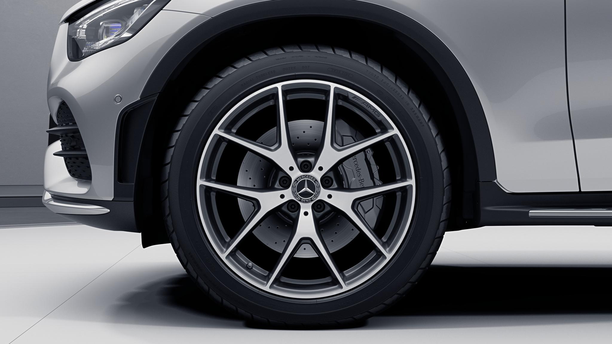 """Jantes AMG 20"""" à 5 doubles branches de la Mercedes-Benz GLC"""