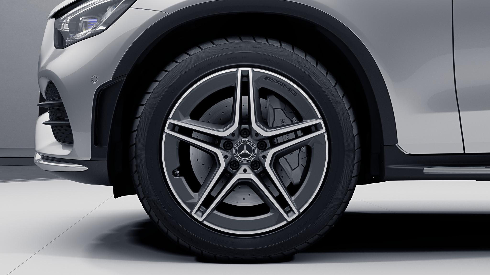 """Jantes AMG 19"""" à 5 doubles branches de la Mercedes-Benz GLC"""
