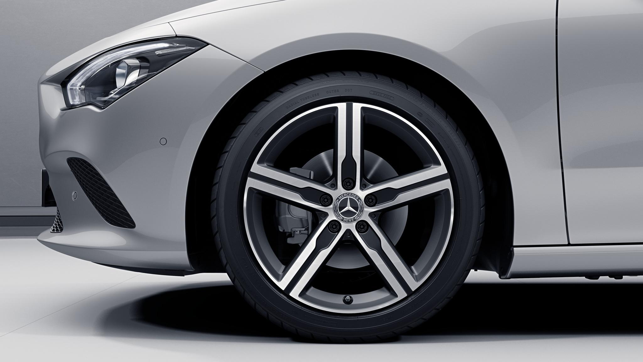 "Jantes 18"" à 5 branches de la Mercedes-Benz CLA"