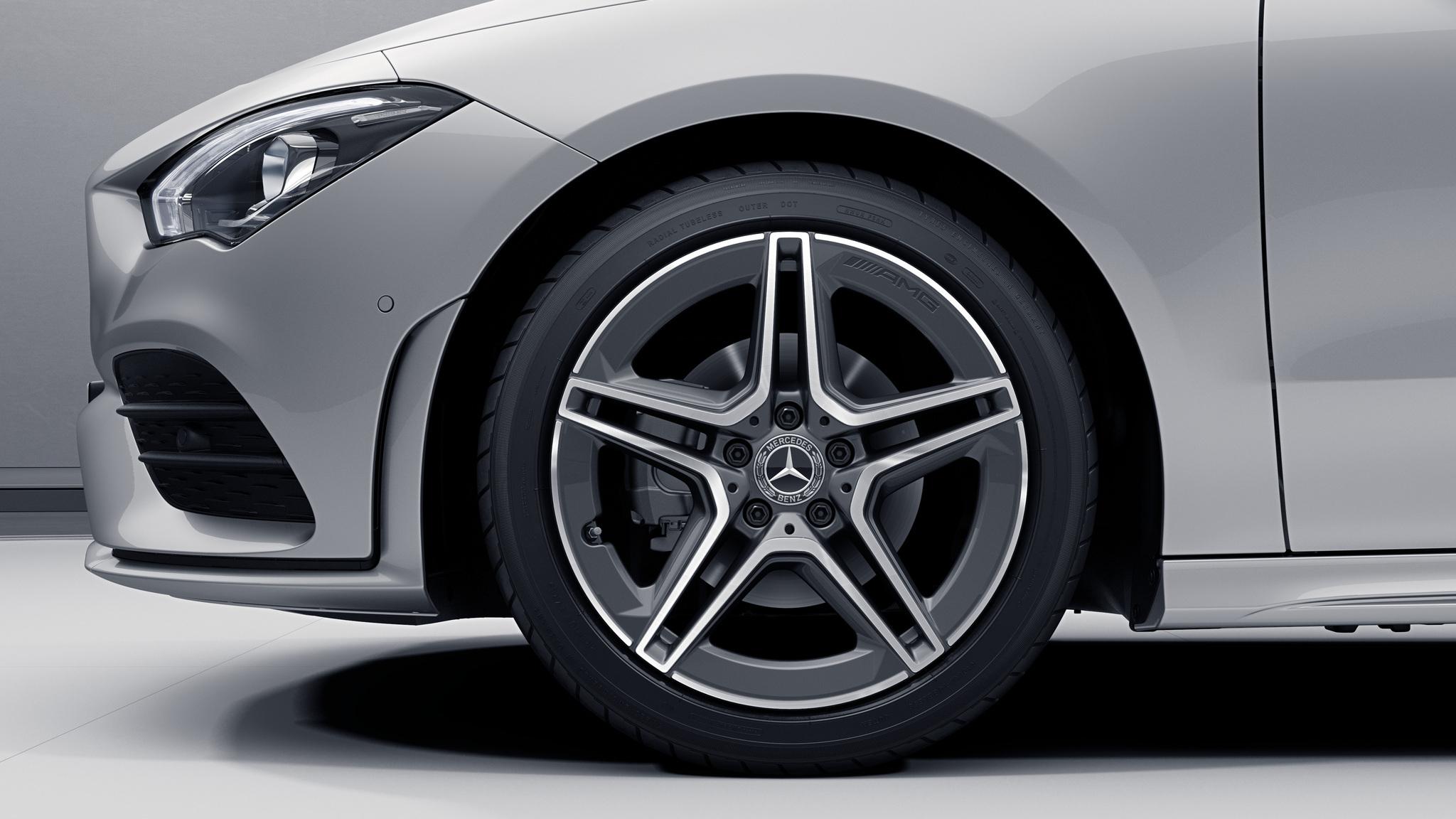 """Jantes AMG 18"""" à 5 doubles branches de la Mercedes-Benz CLA"""