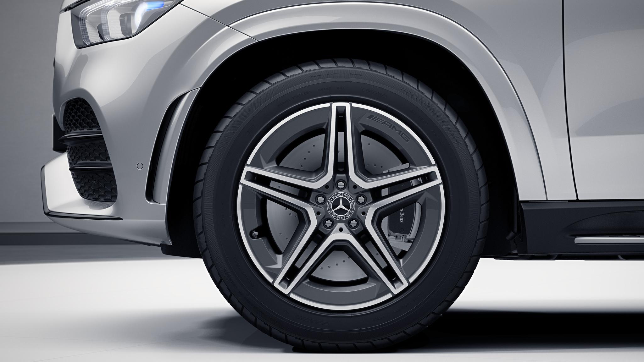 Jantes AMG 20'' à 5 doubles branches de la Mercedes GLE