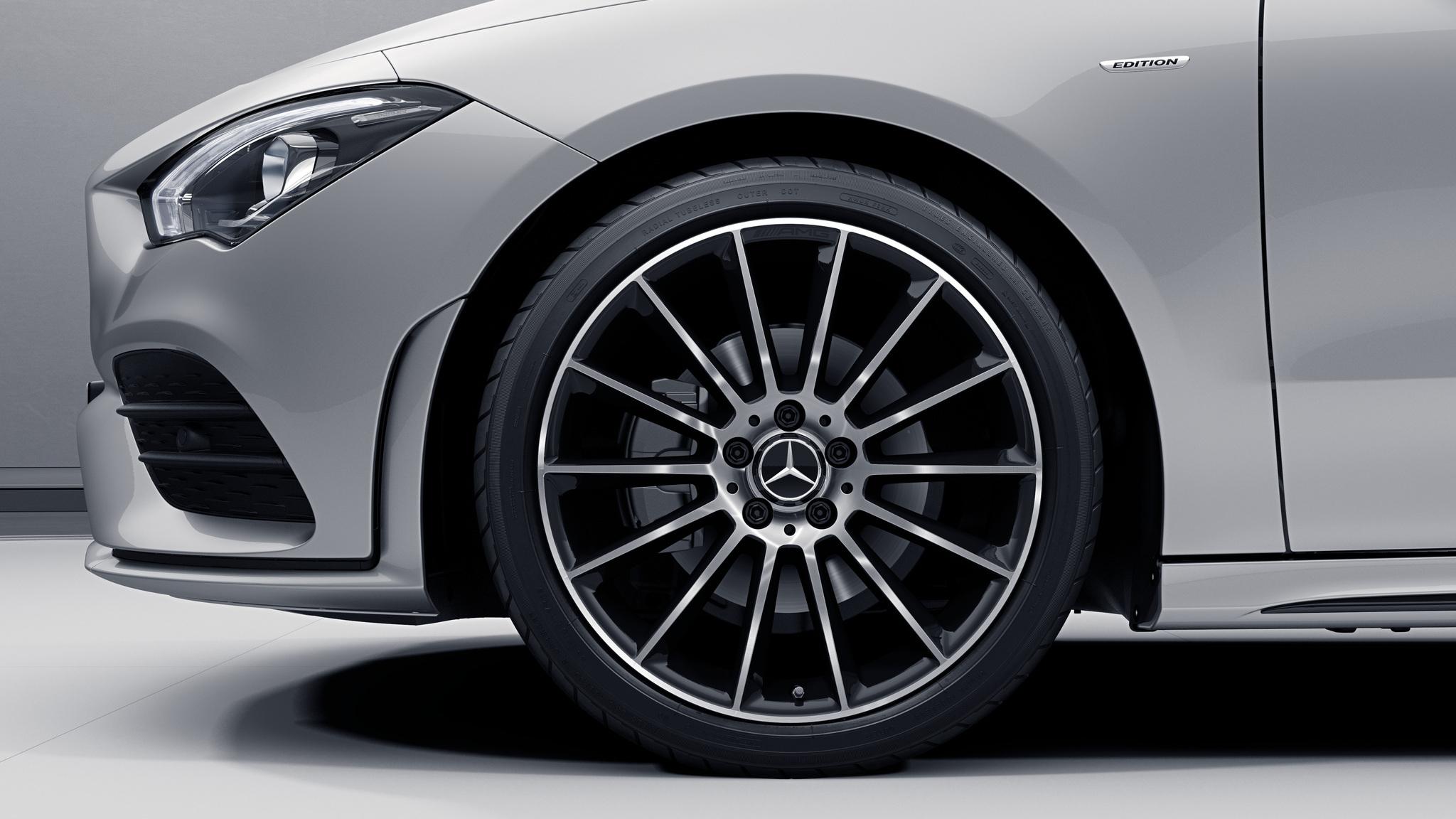Jantes AMG 19 multibranches de la Mercedes-Benz CLA