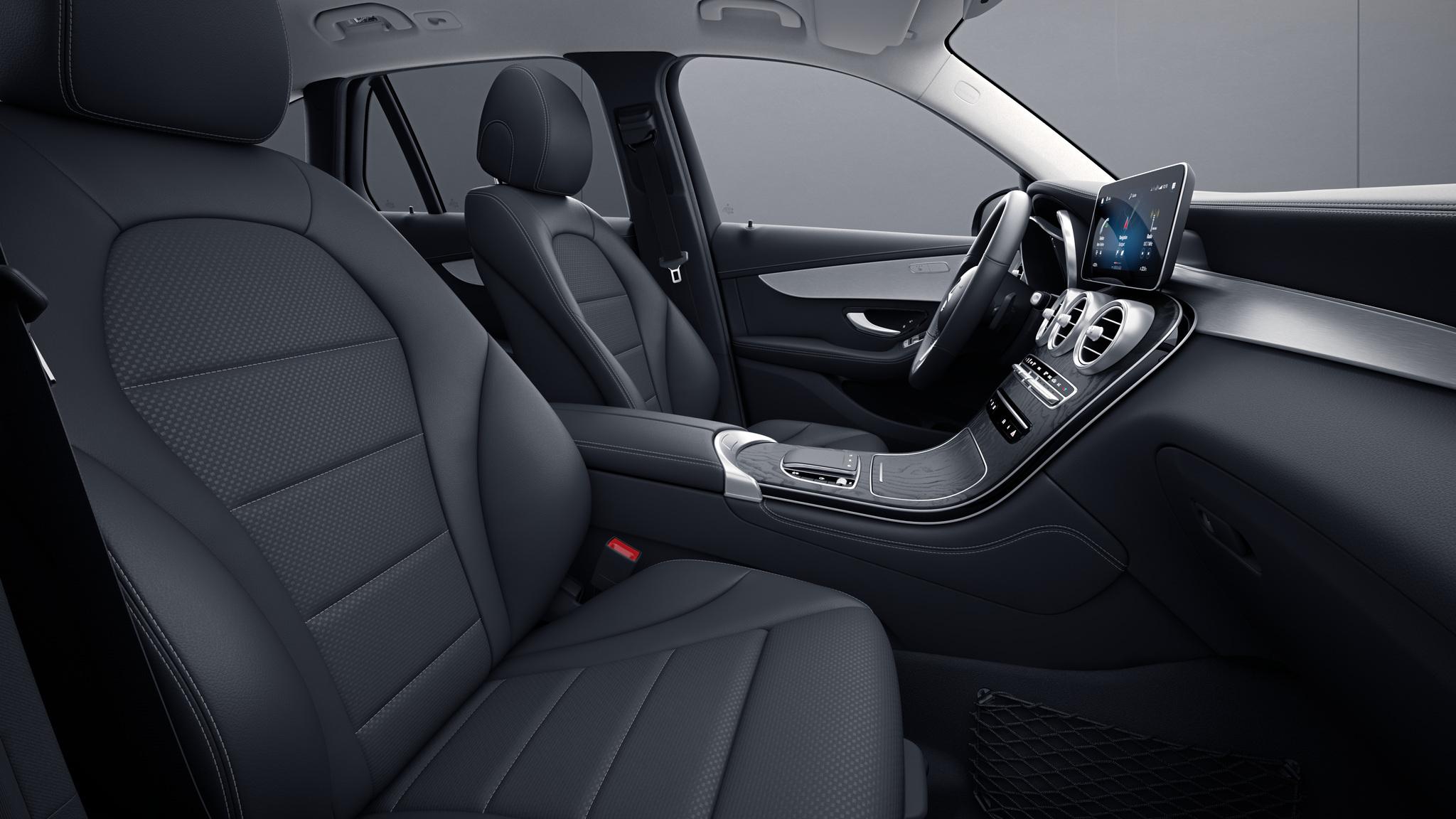 Habitacle de la Mercedes GLC Coupé avec une Sellerie Similicuir ARTICO tissu Grenoble - noir
