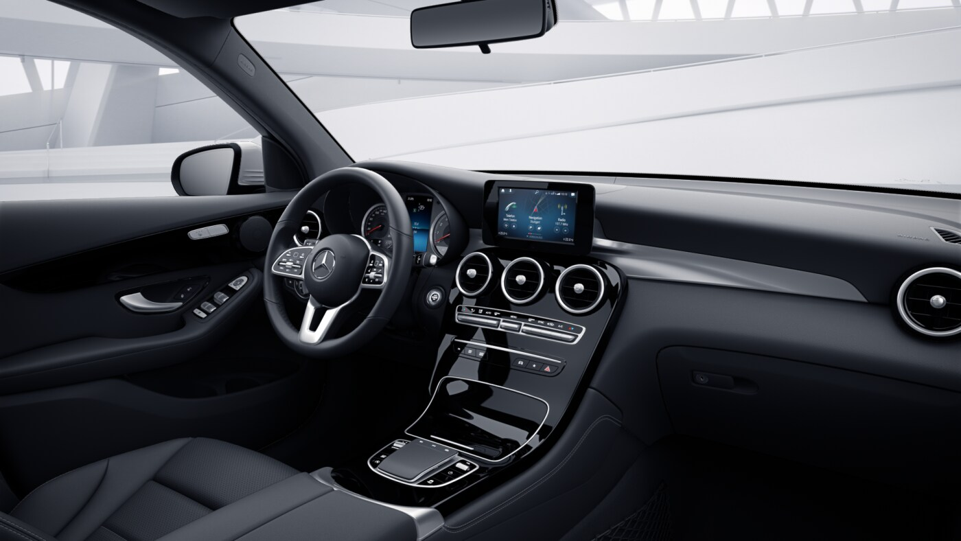 Poste de conduite de la Mercedes GLC Finition 4 Matic Dynamic avec une vue sur la console centrale