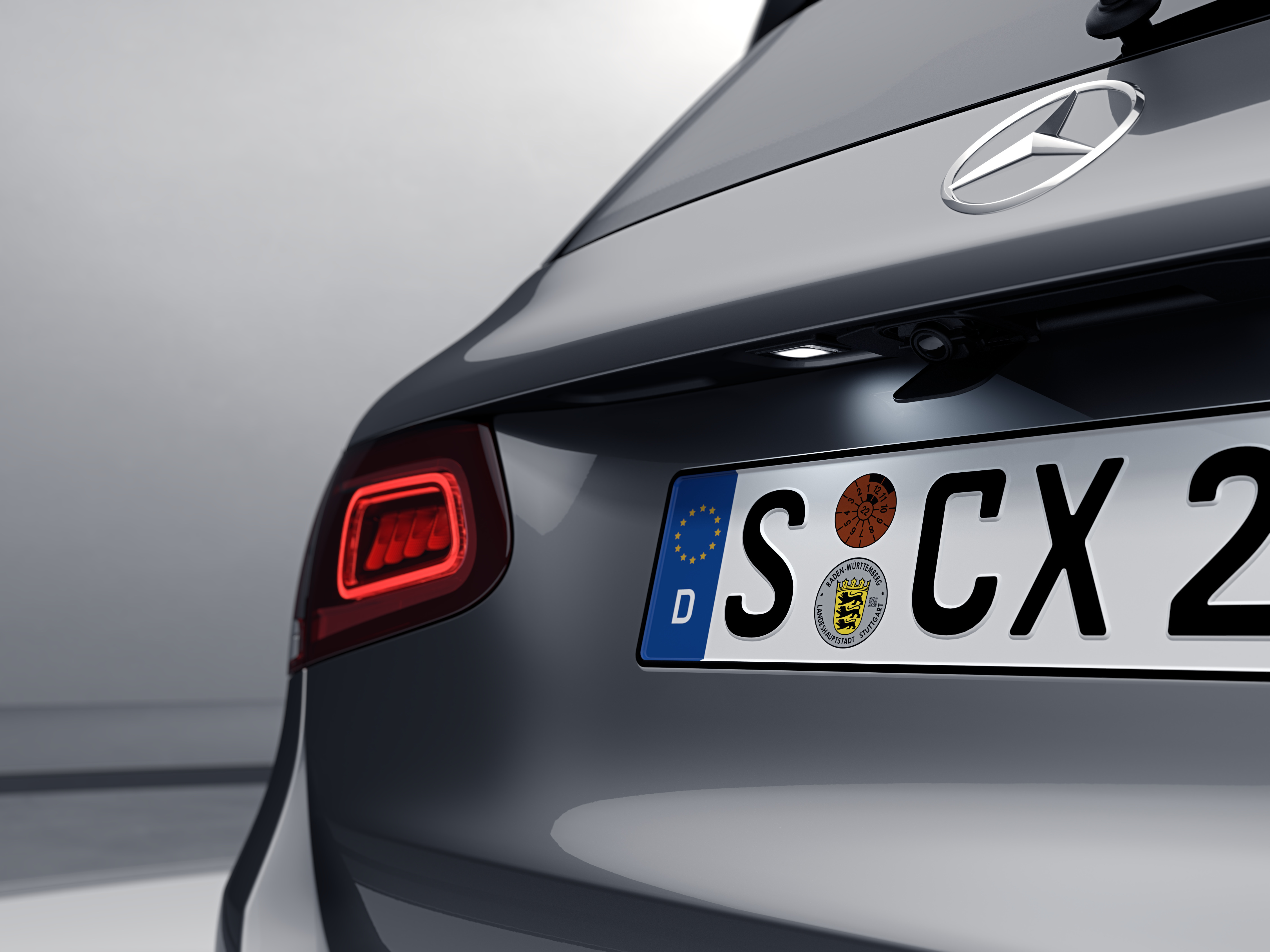 Feu rouge derrière de la Mercedes-Benz GLC Finition 4 Matic Dynamic