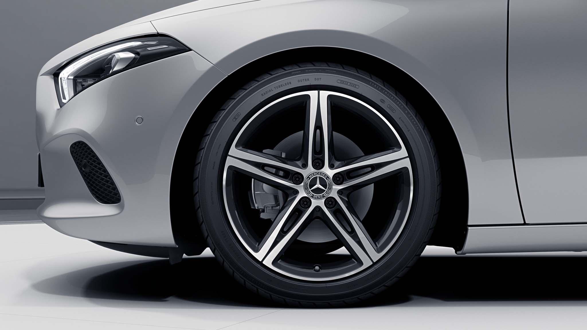 """Jantes 18"""" à 5 double branches de la Mercedes-Benz Classe A"""