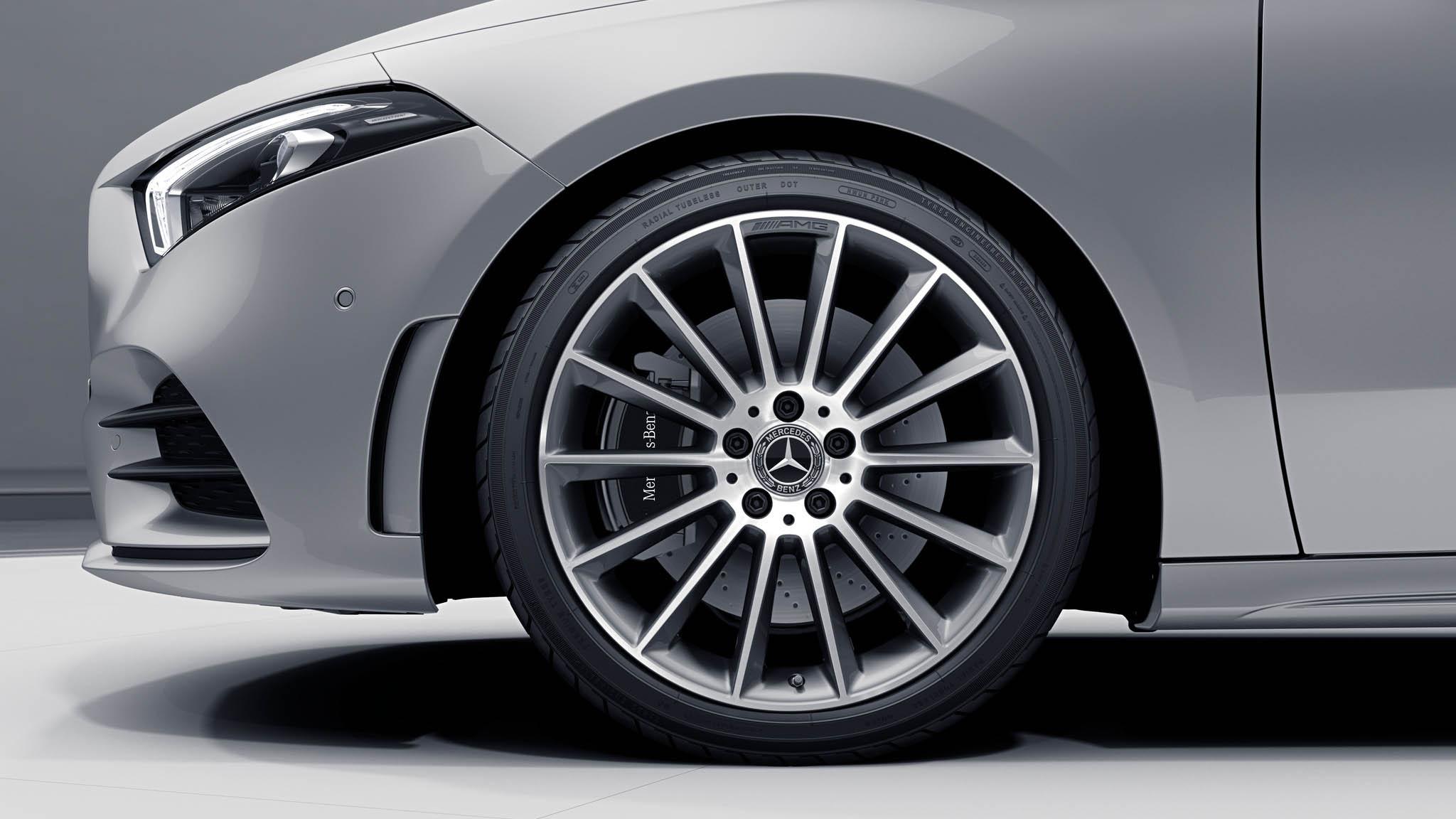 """Jantes AMG 19"""" multibranches de la Mercedes-Benz Classe A"""