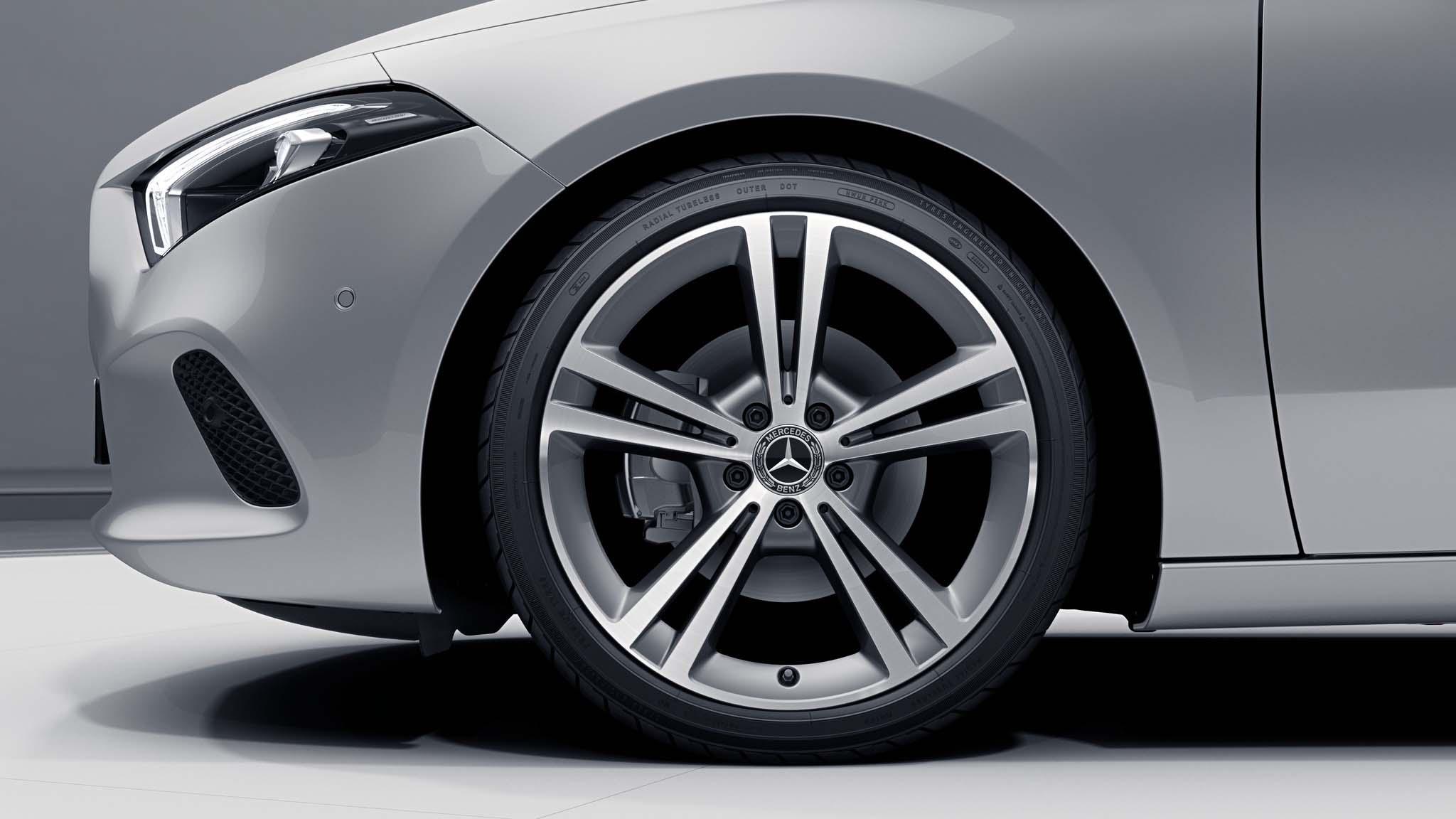 """Jantes AMG 19"""" à 5 doubles branches de la Mercedes-Benz Classe A"""
