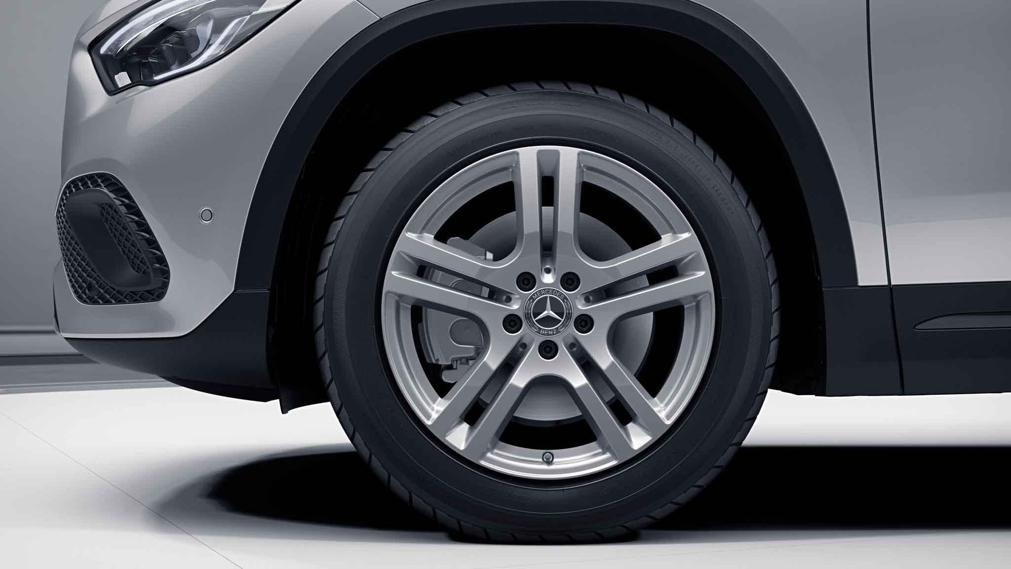 Jantes 18 à 5 doubles branches de la Mercedes-Benz GLA