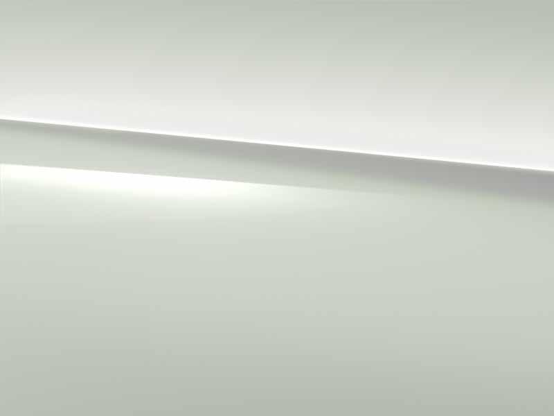 Vue de trois quarts de profil de la Mercedes GLA avec la peinture standard blanc polaire