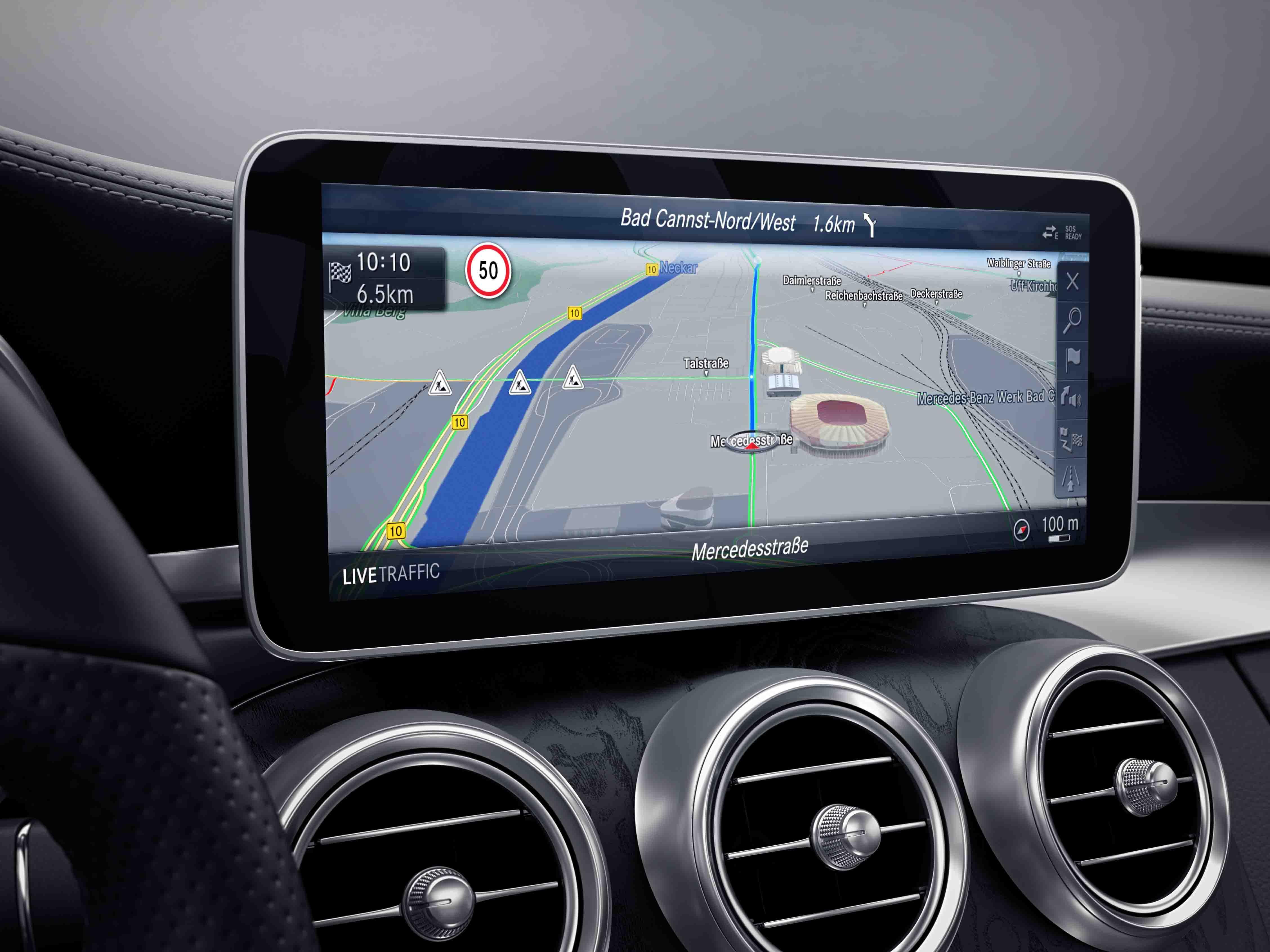 Écran tactile en mode GPS de la Mercedes classe C berline, Finition Avantgarde Plus