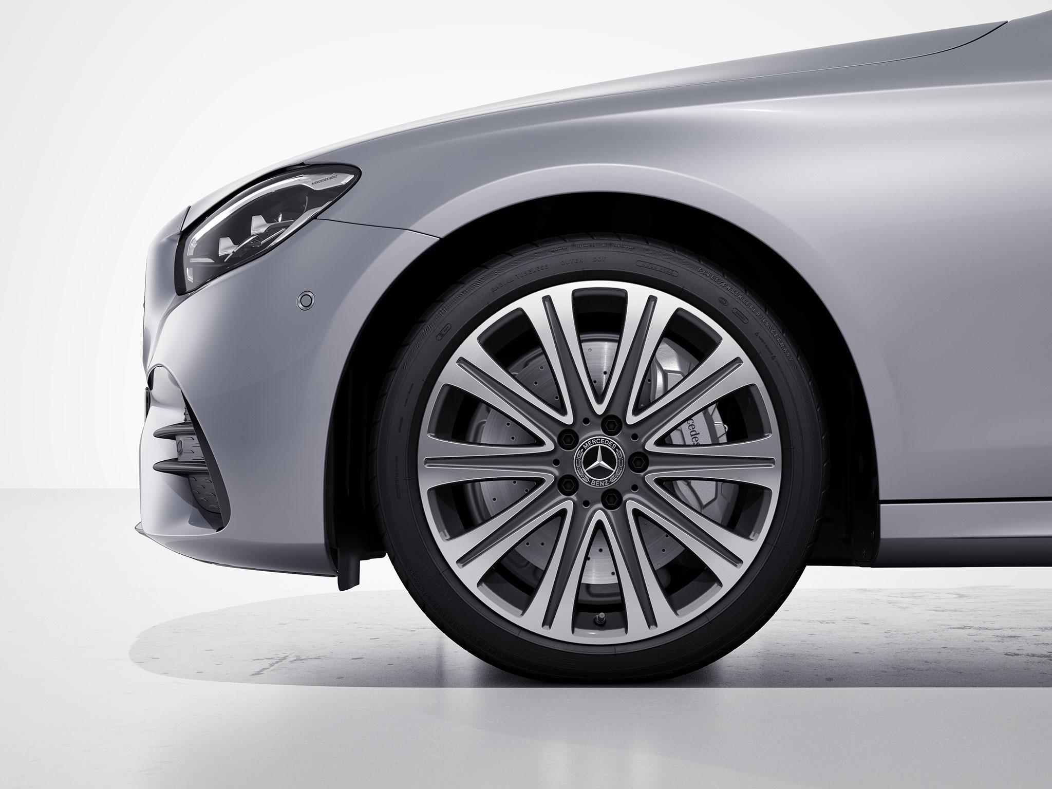 Arrière de la Mercedes Classe E Finition Luxury