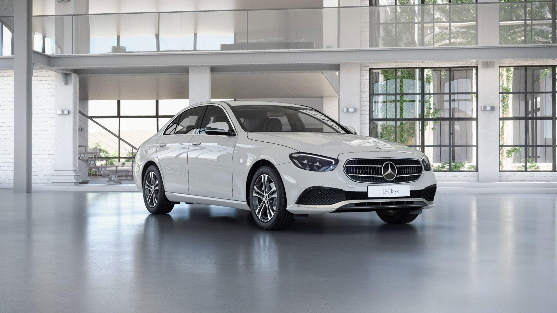 Phares de la Mercedes Benz Classe E Berline noire Finition Business