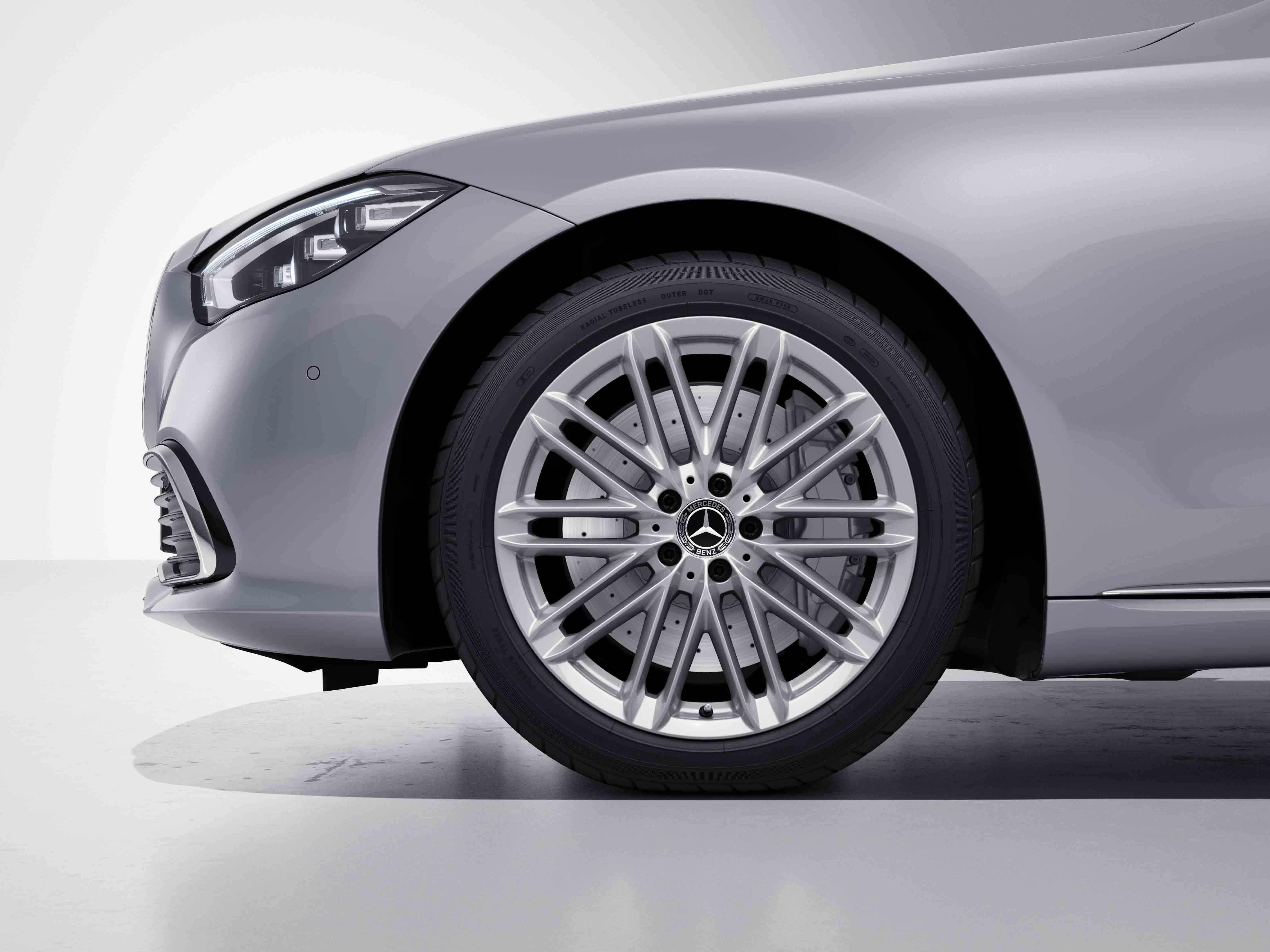 Jantes AMG 19 à doubles branches de la Mercedes-Benz Classe S Limousine