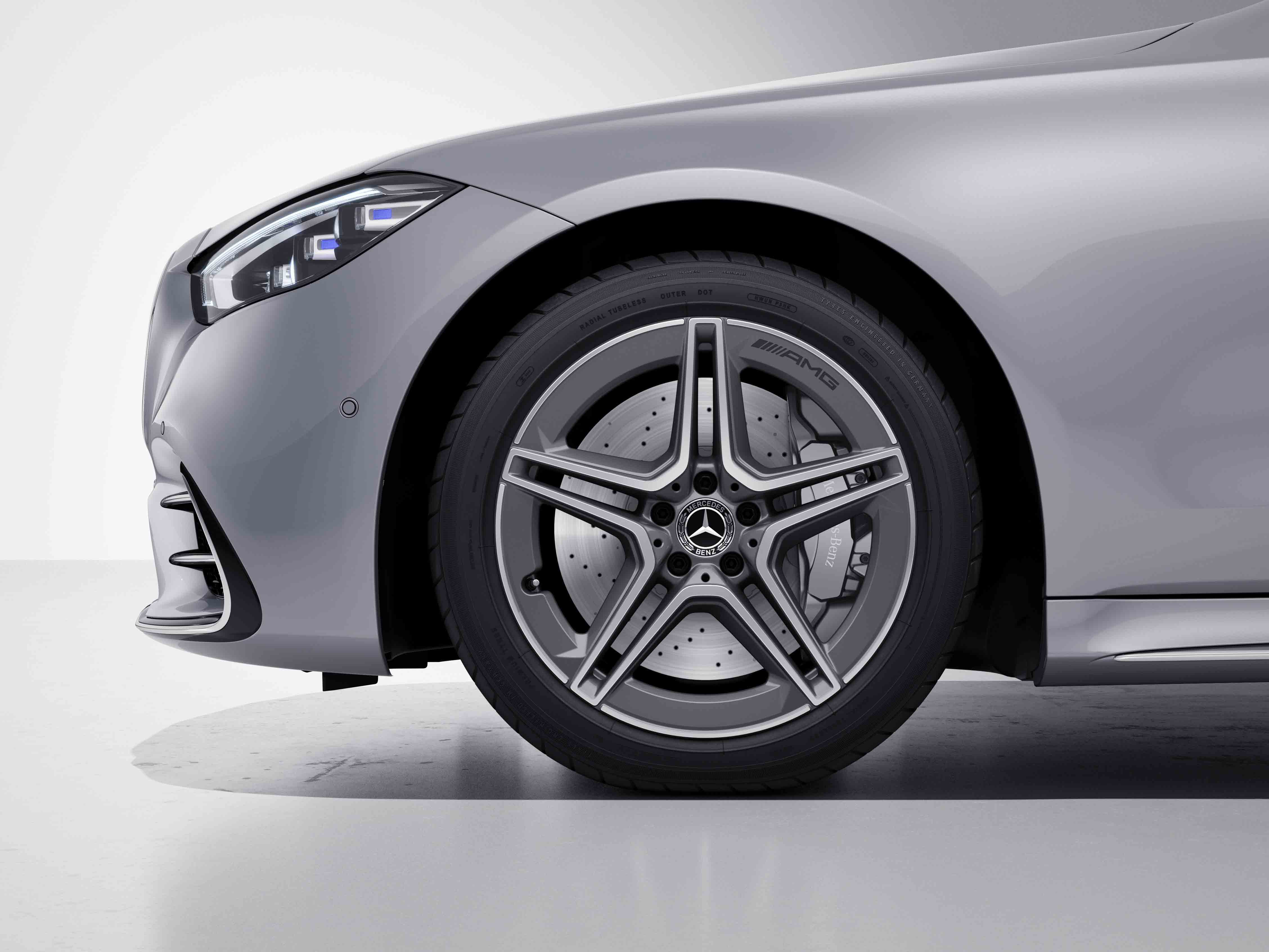 Jantes AMG 20 multibranches de la Mercedes-Benz Classe S Limousine