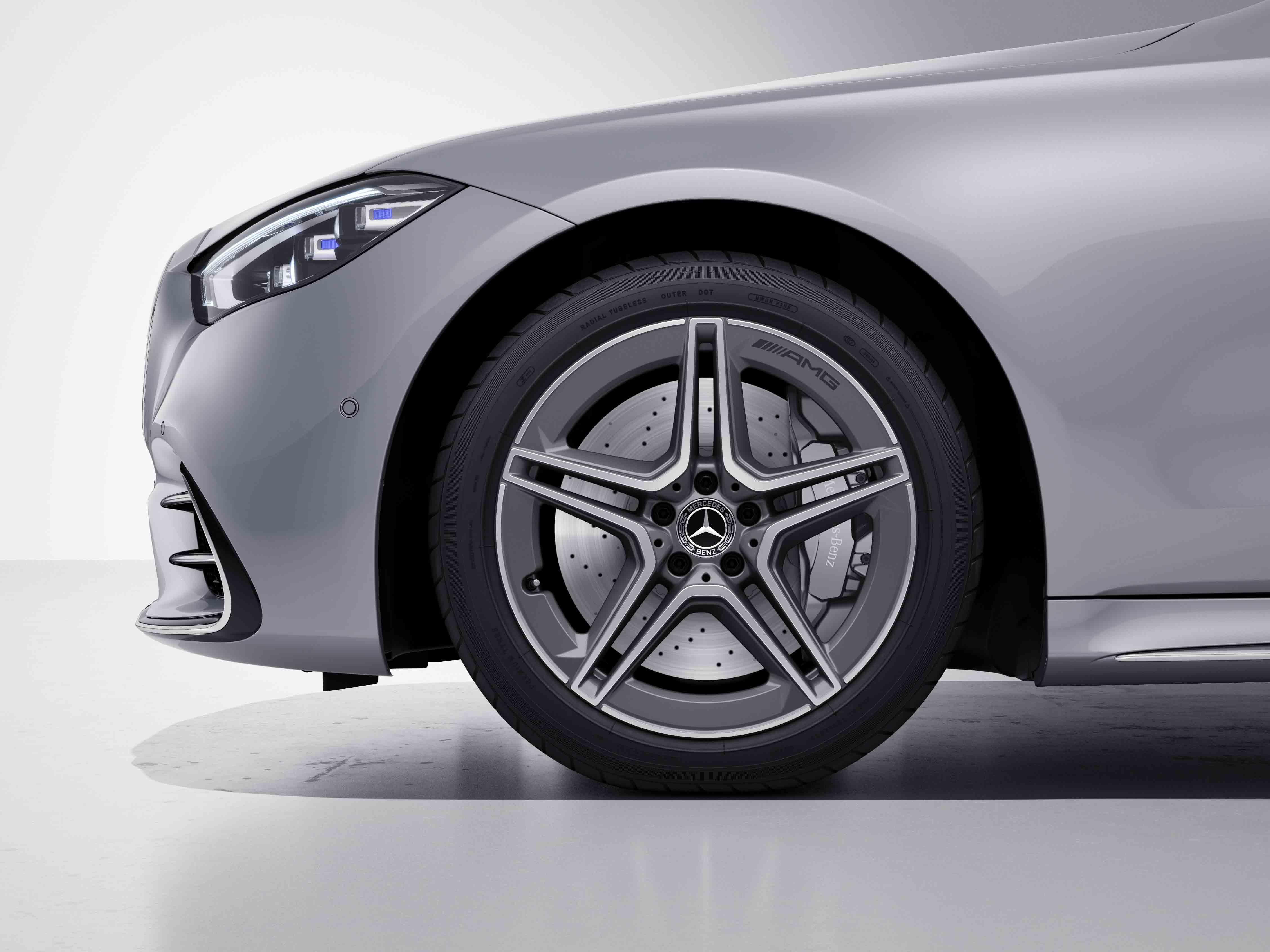 Jantes AMG 20 à 10 branches de la Mercedes-Benz Classe S Limousine