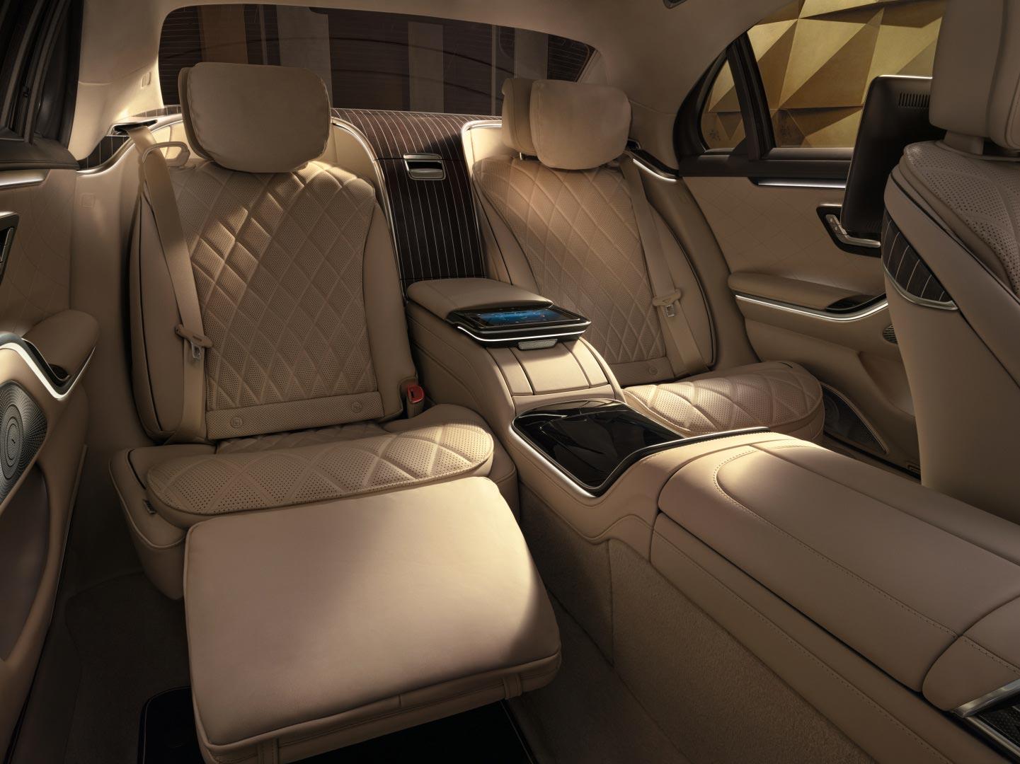 Intérieur et extérieur de la Mercedes Classe S Limousine