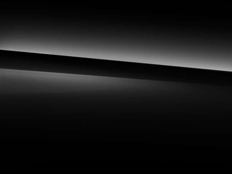 Vue de trois quarts de profil de la Mercedes Classe S Limousine avec la peinture Standard noir