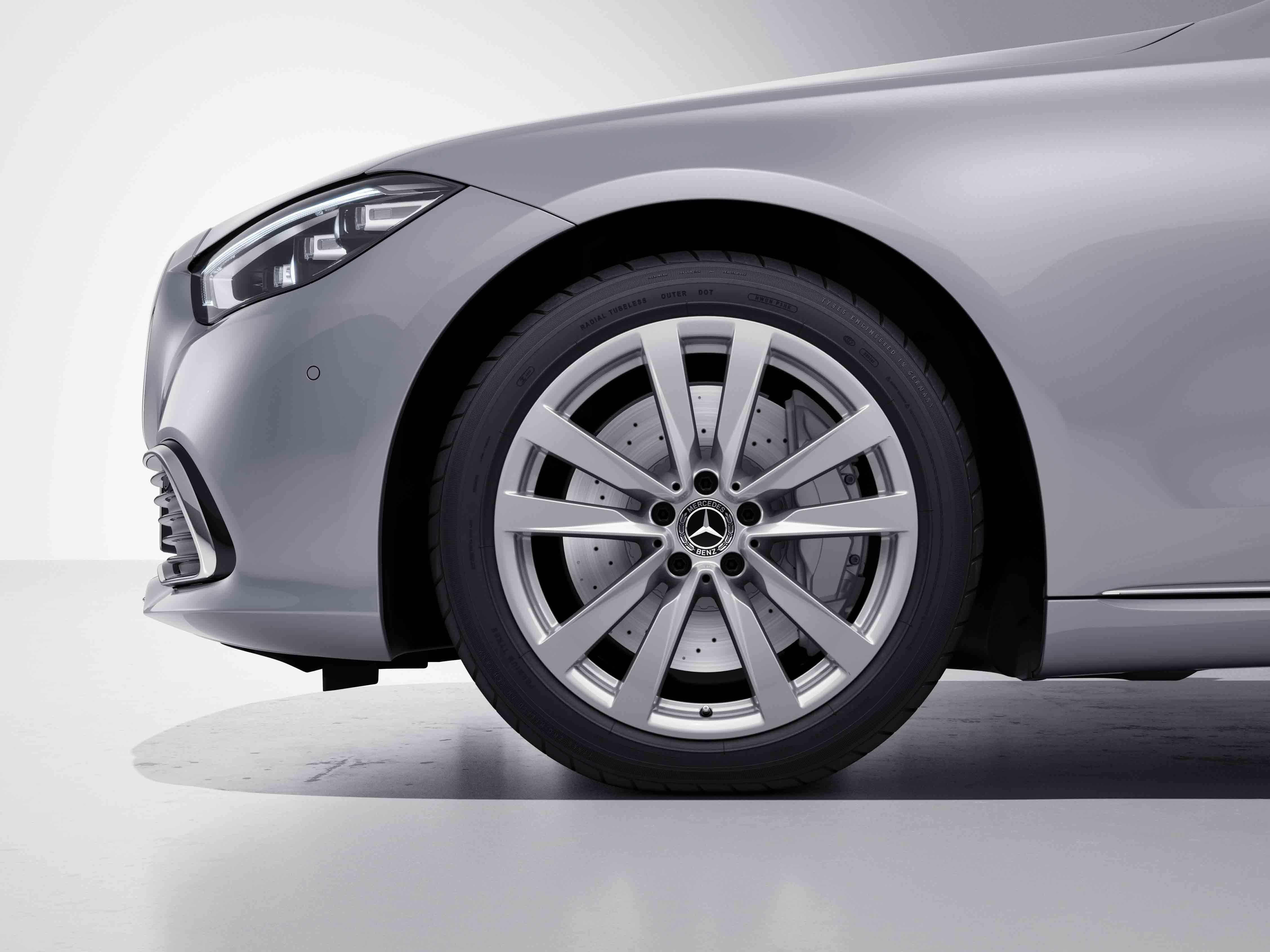 Jantes 19 à 7 triples branches de la Mercedes-Benz Classe S Limousine
