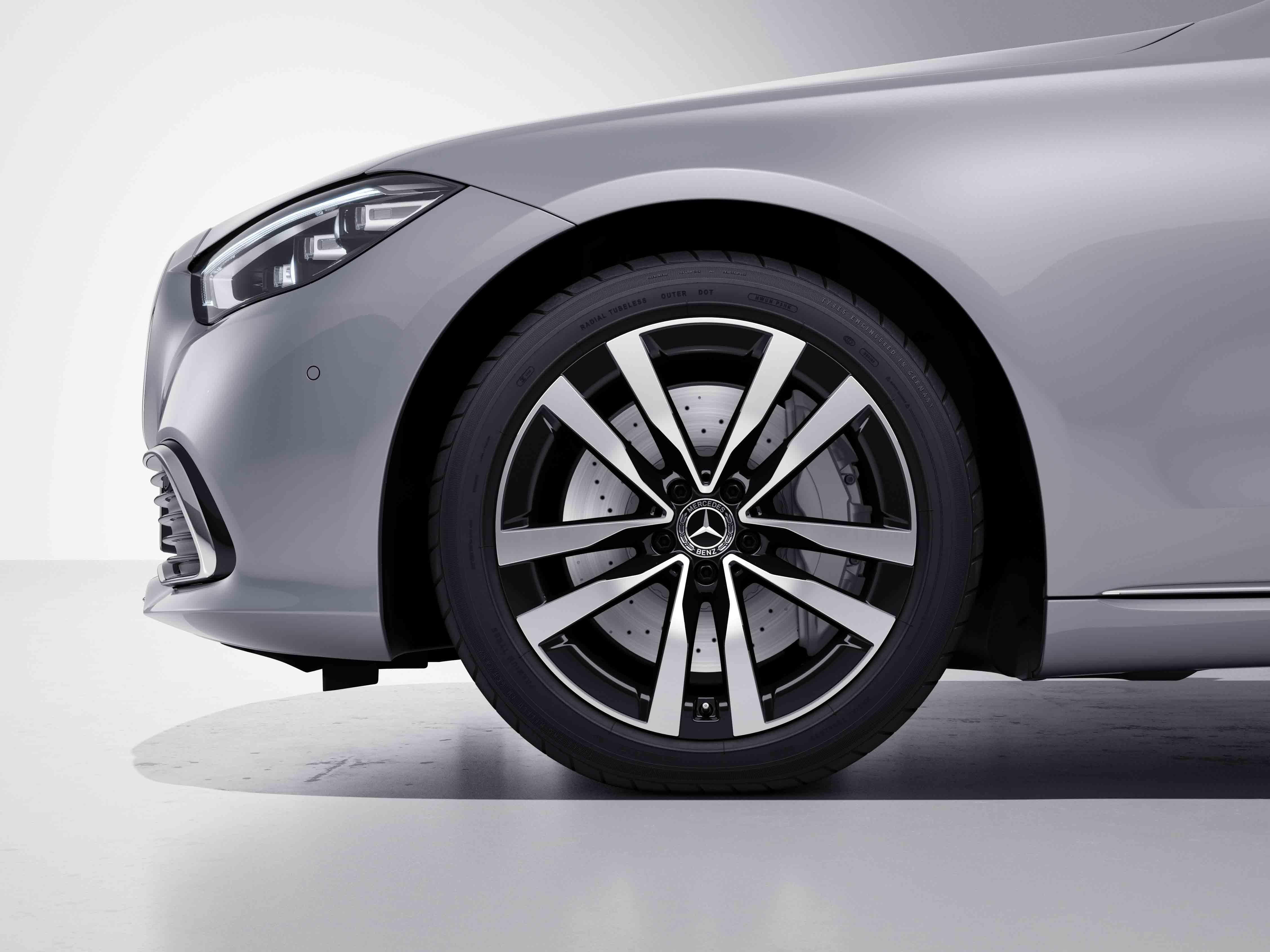 antes 20 multibranches de la Mercedes-Benz Classe S Limousine