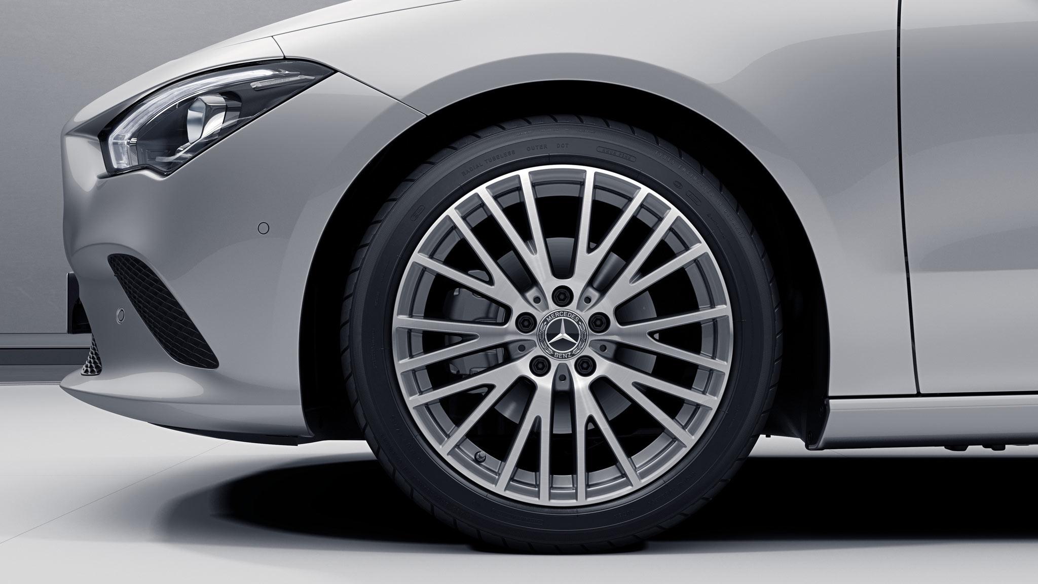 Jantes de la Mercedes-Benz  CLA Finition Progressive