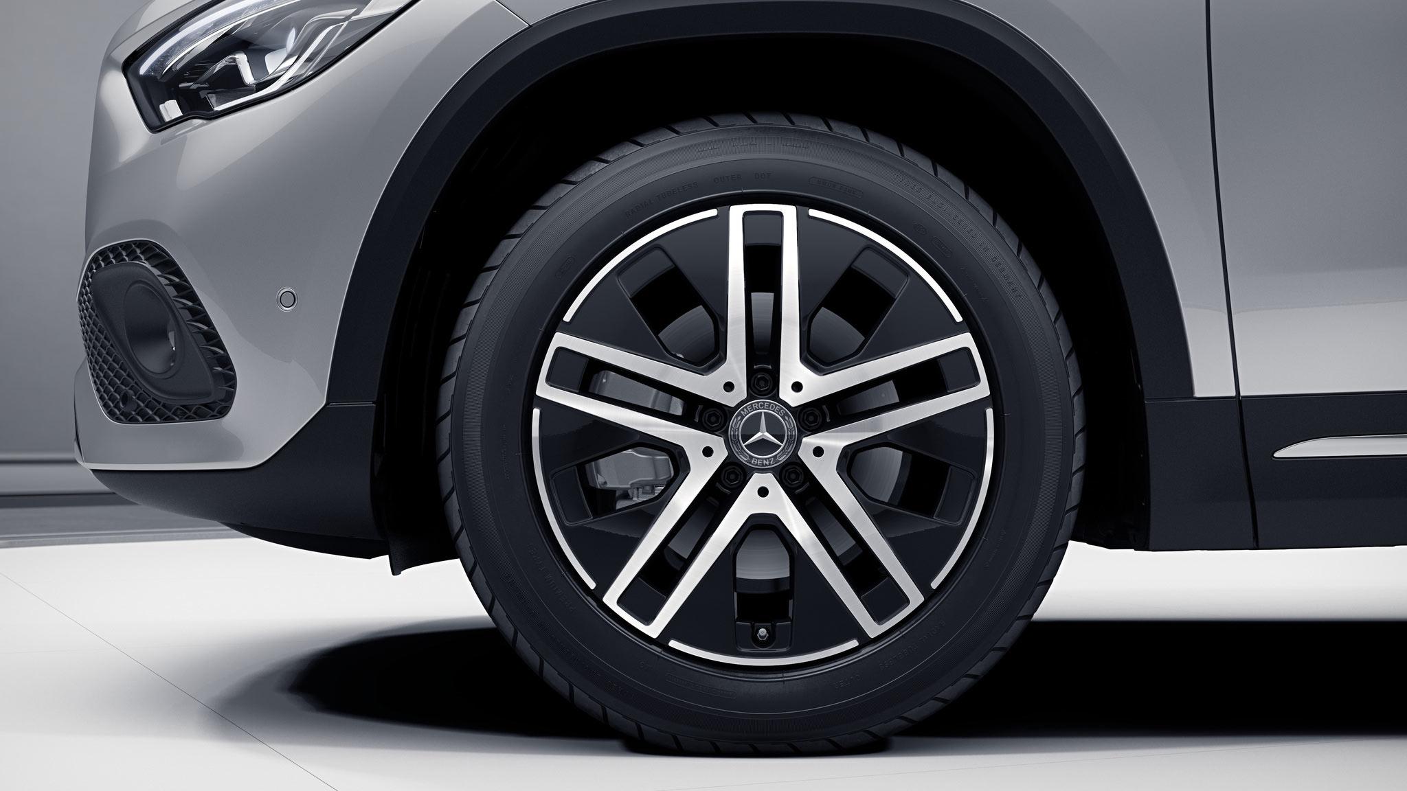 Jantes de la Mercedes-Benz GLA Finition Progressive